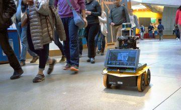 MIT robot emberek között
