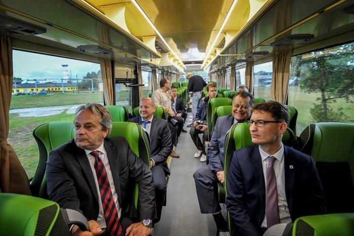 Új magyar katonai buszok